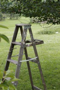 Escabeau de jardin en bois