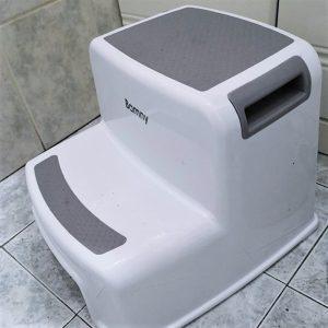 Marchepied pour toilette